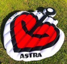 Astra Bier, XXL Luftmatratze Badedinsel Herzanker Pool Badespaß St.Pauli Kiez