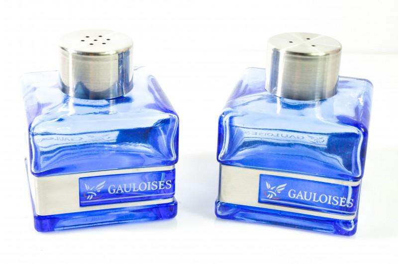 Gauloises Tabak Zuckerstreuer Reliefabsetzung Glasware