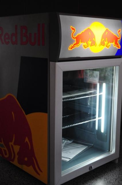 red bull led babycooler mini k hlchrank bar. Black Bedroom Furniture Sets. Home Design Ideas
