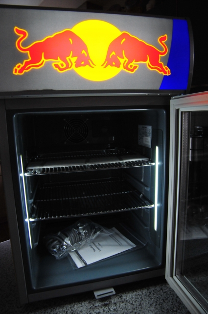 red bull led babycooler mini k hlchrank bar. Black Bedroom Furniture Sets. Home Design Ideas