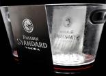 Russian Standard Vodka LED Flaschenkühler, Eiswürfelbehälter, Acryl / Edelstahl Auss.