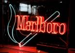 Marlboro Neon Leuchtreklame, 80er Jahre in Plexiglasgehäuse aus der Ausstellung