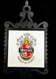 Becks Kachelbild auf Schmiedeeisenplatte, Wappen