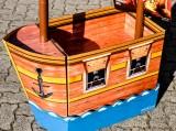 Captain Morgan Rum, Pappaufsteller Zwei Mast Schiff sehr robust und tragfähig.