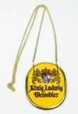 König Ludwig Bier, Keramik Zapfhahnschild an Goldkette, gelbe Ausführung