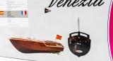 Jamara RC Venezia Boot Holzoptik 40Mhz Ferngesteuertes Boot Schiff Wasser