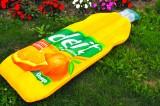 Deit Limonade, XXL Luftmatratze in Flaschenform